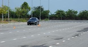 Bài tập học lái xe ô tô số tự động dành cho người mới